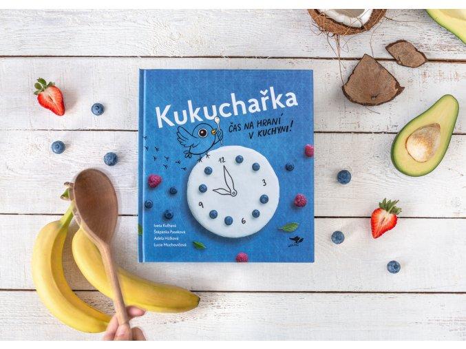 Kukucharka Cas na hrani v kuchyni 01 websize