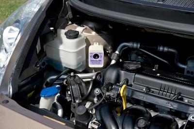 Odpuzovač kun v motorovém prostoru