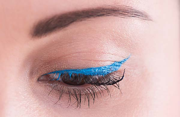 eye_liner_modra