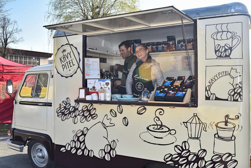 piteltruck-mobilni-kavarna-kava-prazena-kavy-pitel