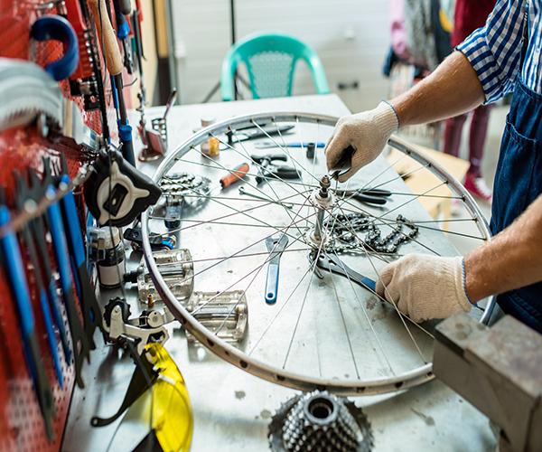 Servis jízdních cyklistických kol SkiAndBike Kunratice