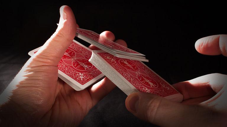Míchání poker karet HINDU SHUFFLE