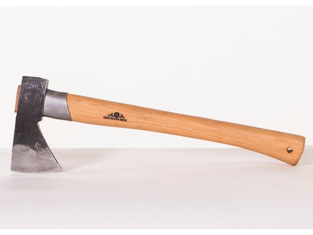 425 outdoor axe 1024x730