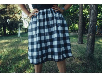 Áčková flanelová sukně s černou kostkou