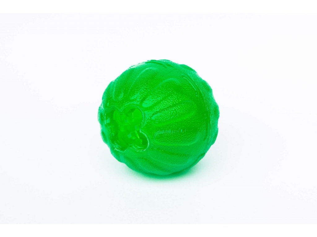 Silikonový míček s otvorem na krmivo