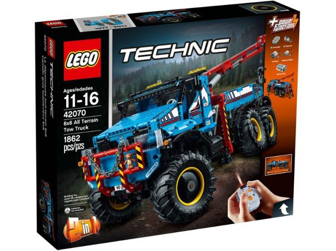 Lego TECHNIC 42070 Terénní odtahový vůz 6x6  + volná rodinná vstupenka do Muzea LEGA Tábor v hodnotě 370 Kč