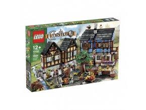 Lego Castle 10193 Medieval Market Village  + volná rodinná vstupenka do Muzea LEGA Tábor v hodnotě 370 Kč