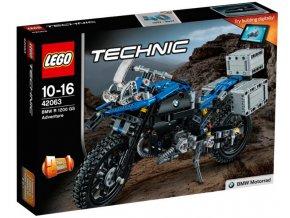 Lego TECHNIC 42063 BMW R 1200 GS Adventure  + volná rodinná vstupenka do Muzea LEGA Tábor v hodnotě 370 Kč