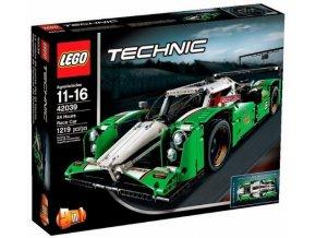 LEGO Technic 42039 Vůz pro 24hodinový závod  + volná rodinná vstupenka do Muzea LEGA Tábor v hodnotě 370 Kč
