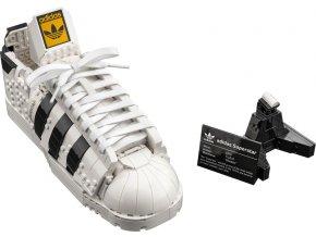Lego 10282 adidas Originals Superstar  + volná rodinná vstupenka do Muzea LEGA Tábor v hodnotě 370 Kč