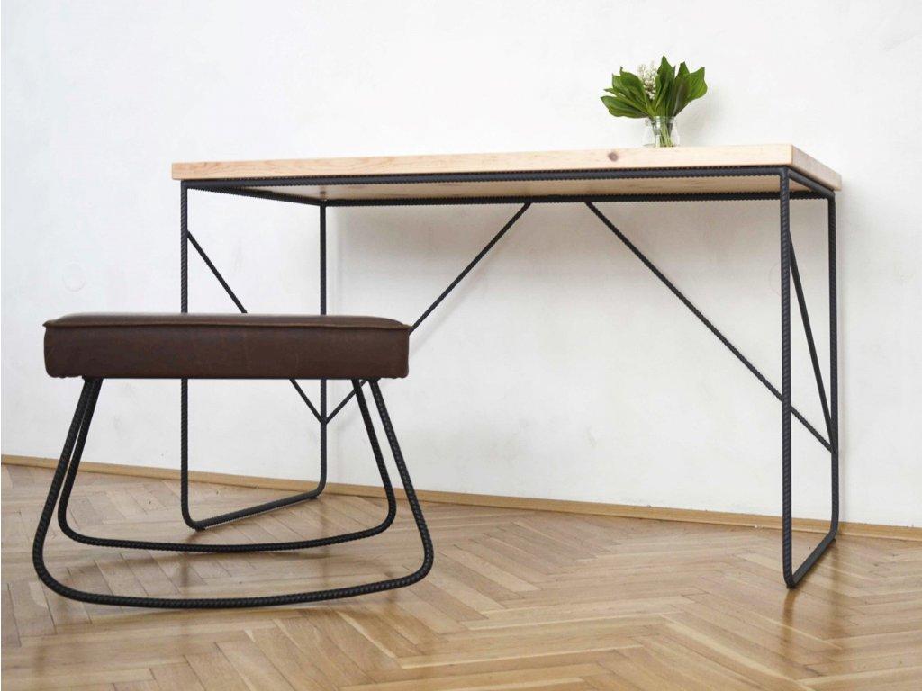 Stůl s roksorovou konstrukcí s diagonálou 1