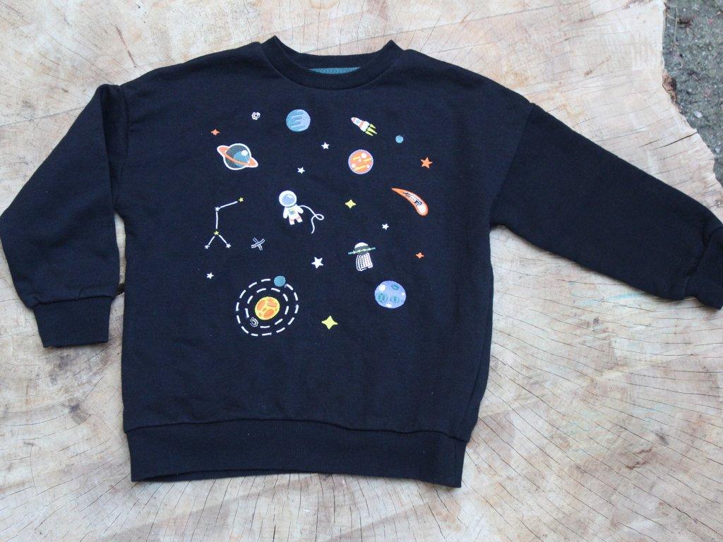 černá mikina astronaut Reserved 110