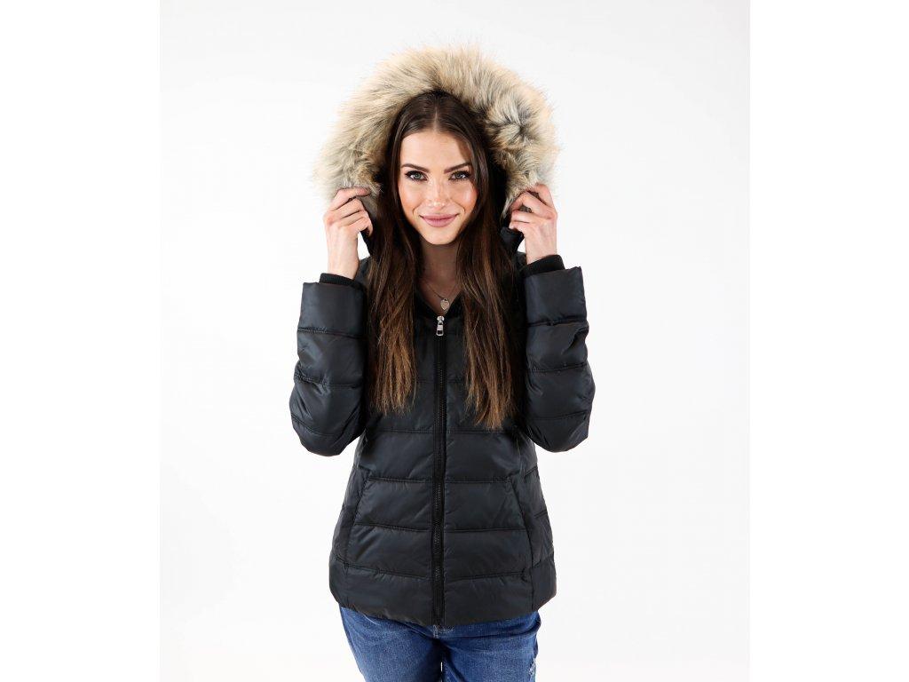 Dámská zimní bunda s kapucí a logem