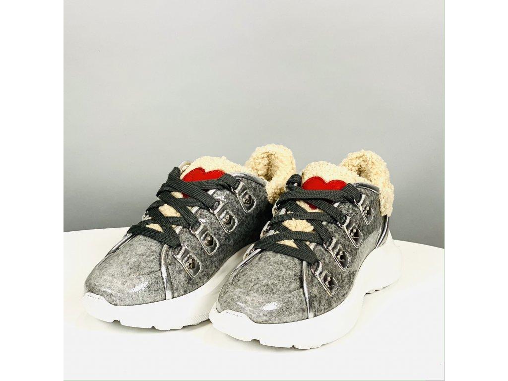 Kožené stříbrné boty Love Moschino s kožešinkou