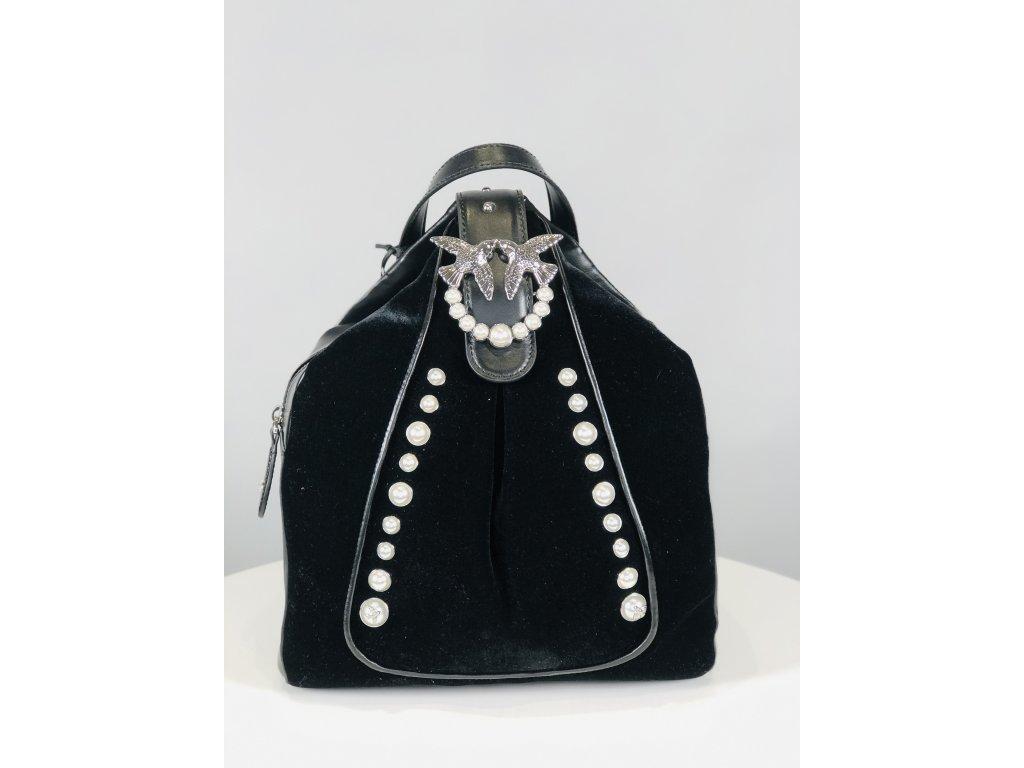Černý dámský batoh s perličkami