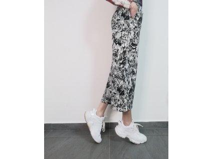 Široké, zkrácené kalhoty s potiskem LIBERTA
