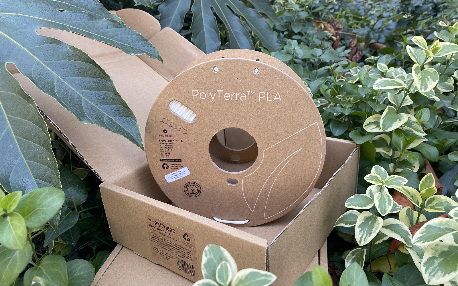 Polymaker-PolyTerra-on-green-2