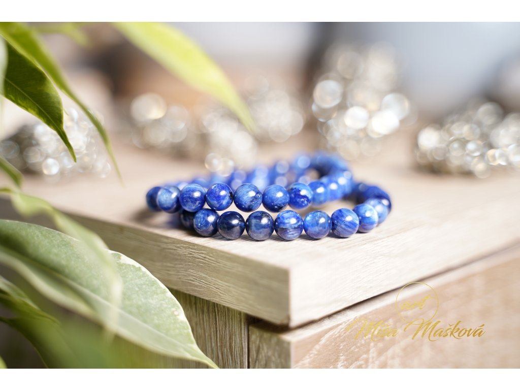 Pravý přírodní kyanit AAA extra kvalita  8 - 9 mm (umění, ochrana, inspirace, průvodce umělců, duchovní podpora)