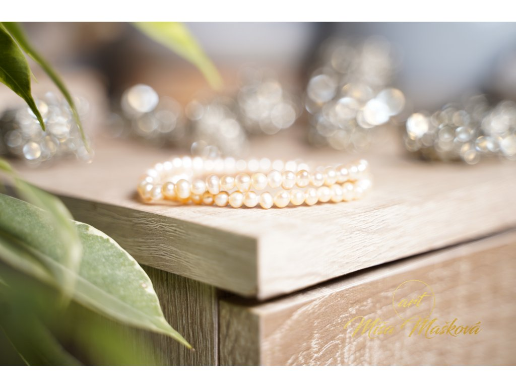 Přírodní broušené perly meruňka 4mm (radost, půvab, štěstí)