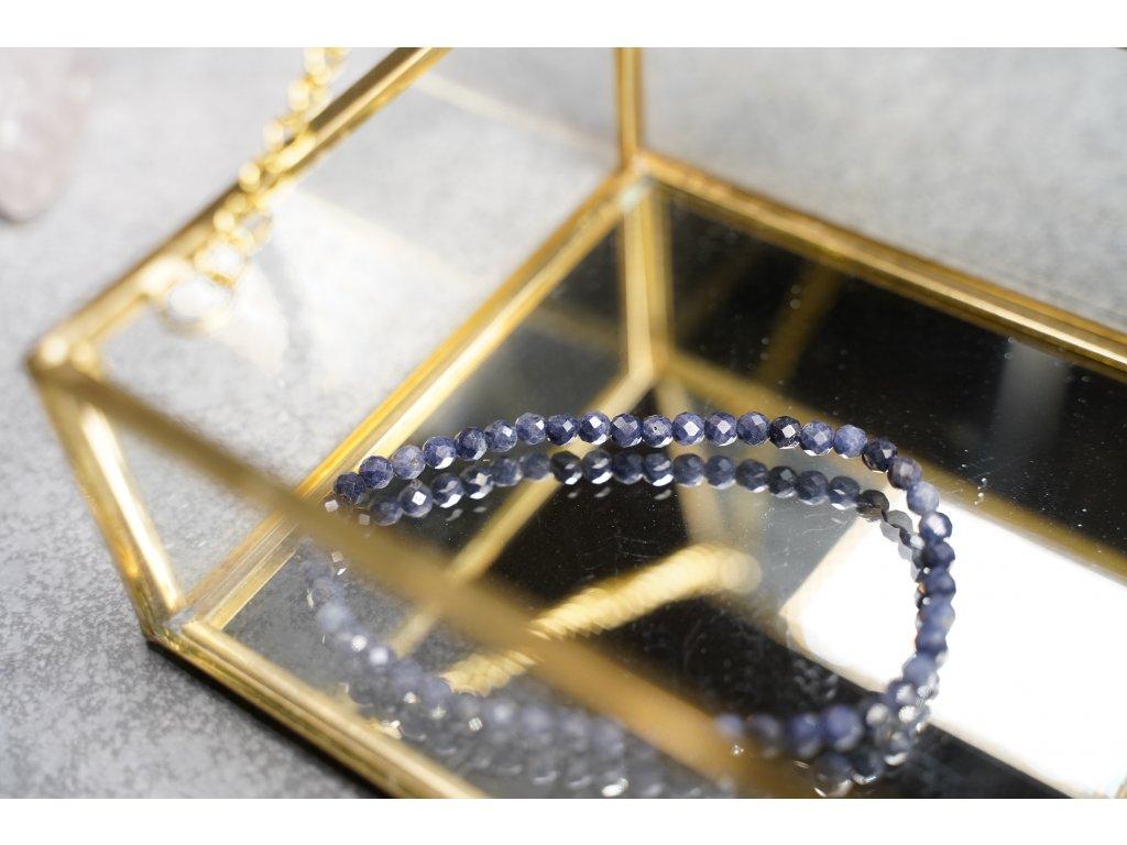 Safír náramek broušený 4mm (víra, osud, jedinečnost, odvaha, moudrost)