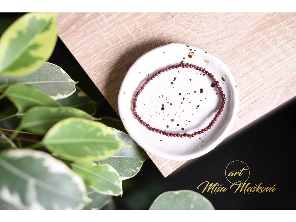 Roztomilý granát náramek 4mm (láska, vztahy, amulet, ochrana, najít správný směr) AA kvalita