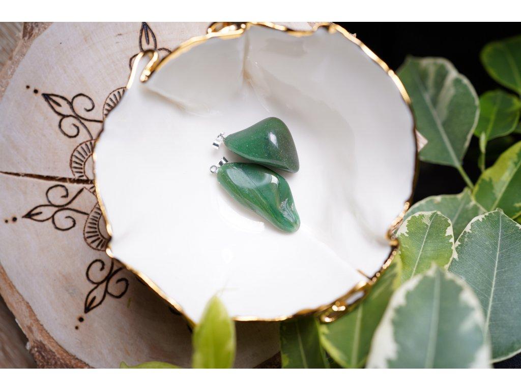 Verdit / africký jadeit přívěsek (klid, láska, rodina, péče, bezpečí, srdíčko)