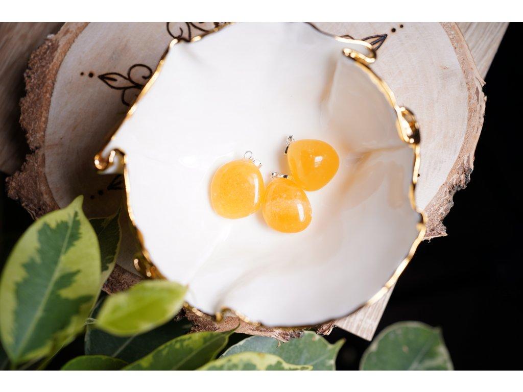 Medový kalcit přívěsek (radost, štěstí, hojnost)