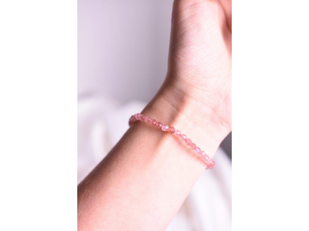 Jahodový křemen broušený náramek AA kvalita (romantika, láska, vztahy, něha, radost)