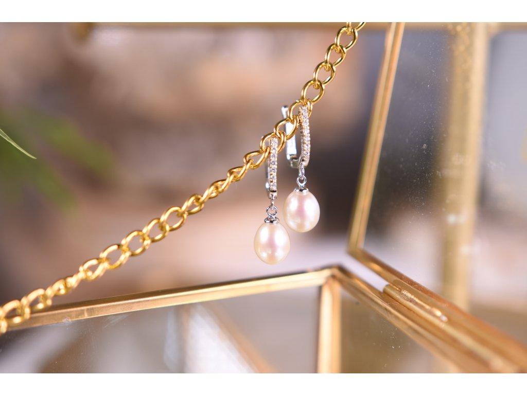 Elegantní říční perly bílé náušnice ve stříbře (nové začátky, moudrost, půvab)