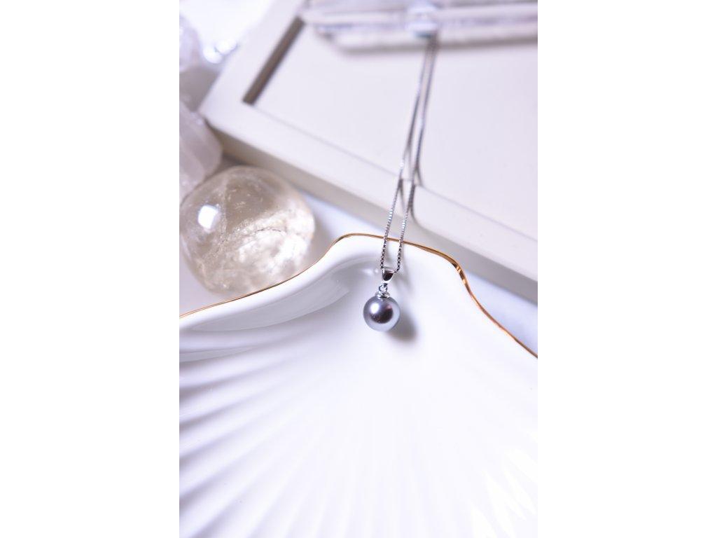 Šedá říční perla stříbrný přívěsek (symbol ochrany, víry, klidu)
