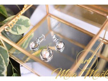 Minimalistický set říční perly bílé náušnice a přívěsek ve stříbře (nové začátky, moudrost, půvab)