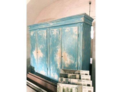 Dřevěná masivní dvouskříň v modré patině