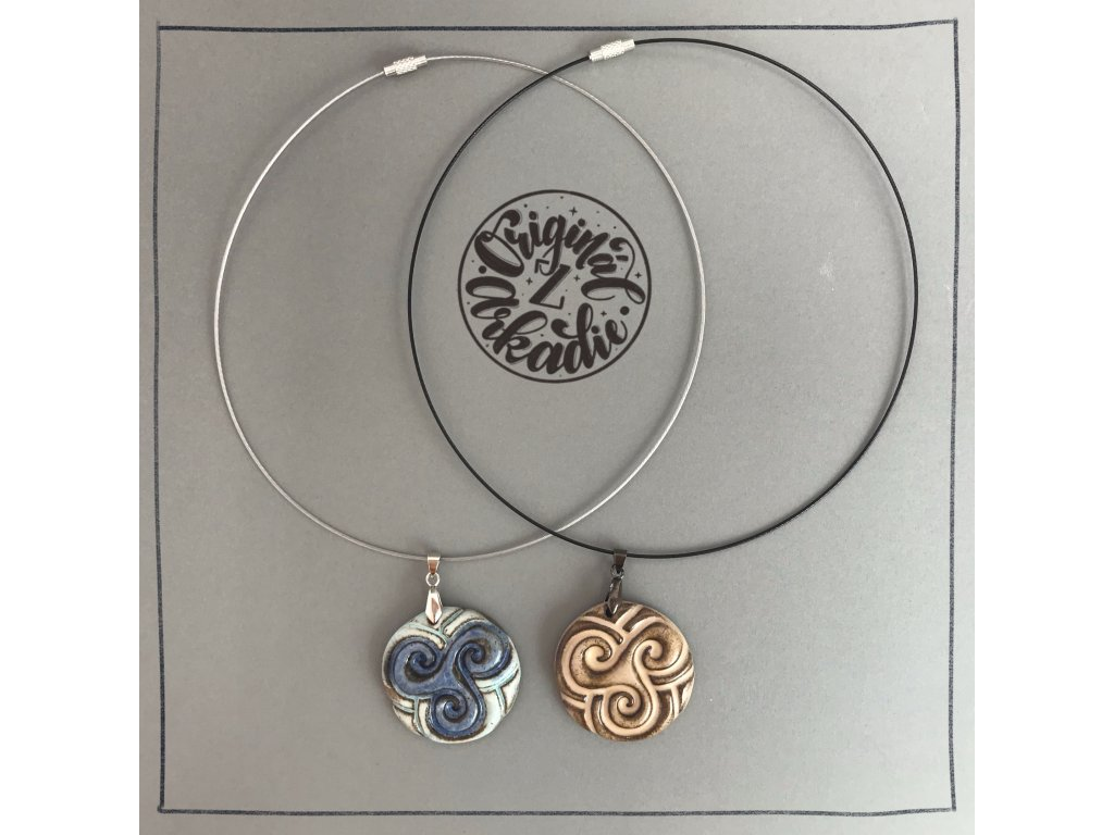 Šperk - medailon s ornamentem