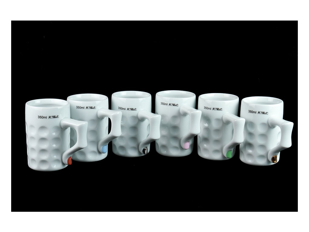 podtácek, pivní tácek, karlovarský porcelán, český porcelán, cesky porcelan, porcelán, Atelier Lesov, extrémní design, půllitr, třetinka, pivo, pivní hrnek, prst, nehet, barevný nehet