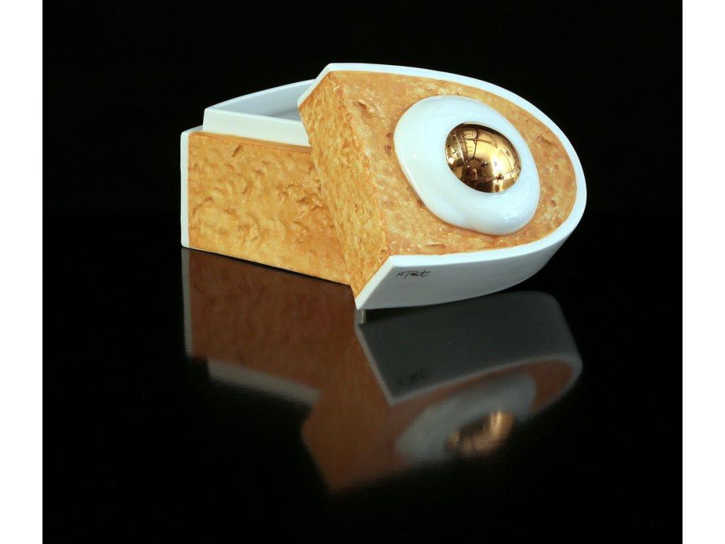dóza na šperky, šperkovnice, porcelánová dóza,karlovarský porcelán, český porcelán, cesky porcelan, porcelán, porcelán prodej, Atelier Lesov, oko, chleba, chléb, vejce, zlato, extrémní design