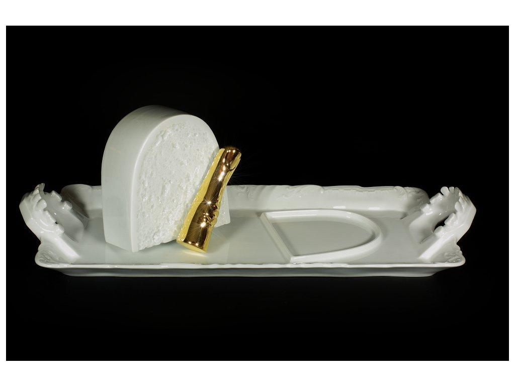 tác, porcelánový tác, podnos, porcelánový podnos, poklop,karlovarský porcelán, český porcelán, cesky porcelan, porcelán, porcelán prodej, Atelier Lesov, chleba, zuby, porcelánové zuby, chléb, porcelánový chléb, prst, porcelánový prst, zlato, zlatý prst, extrémní design, Miroslav Páral