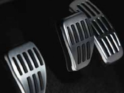 Sportovní pedály - hliník – manuální převodovka