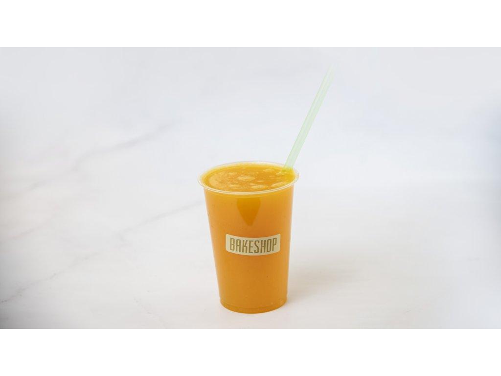 fresh pomeranč