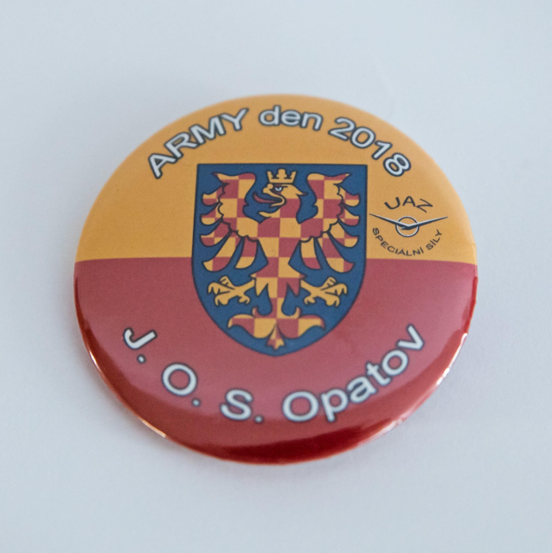 Magnety a butony