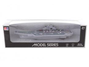 Model letadlové lodě na baterie