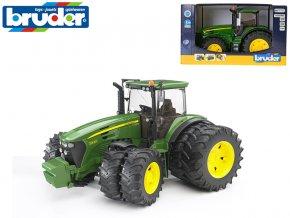 Bruder traktor John Deere 7930 na volný chod s dvojitými koly 36,5cm 1:16 v krabičce