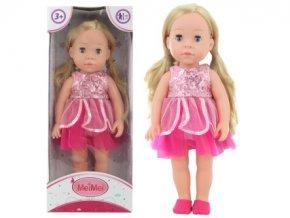 Panenka blondýnka v růžových šatech