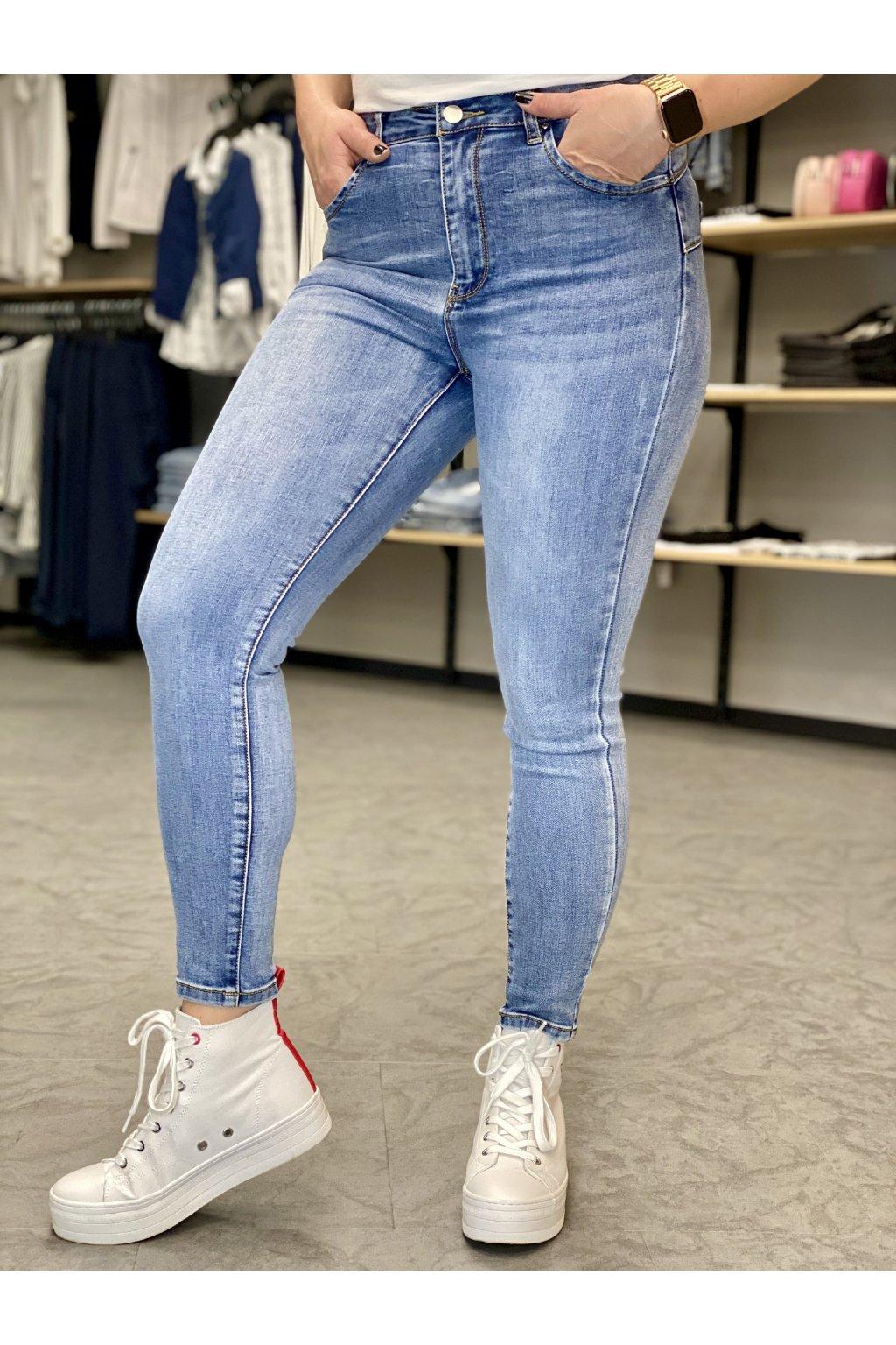 8831 džíny