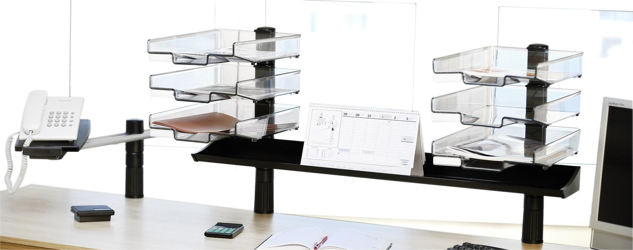 Pracovní stůl