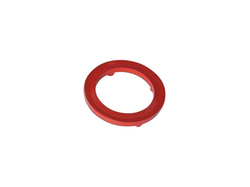 Červený mezikroužek