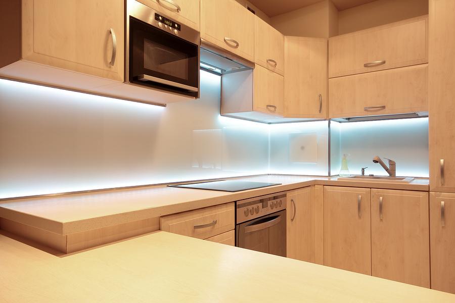 osvetlenie-kuchynskej-linky