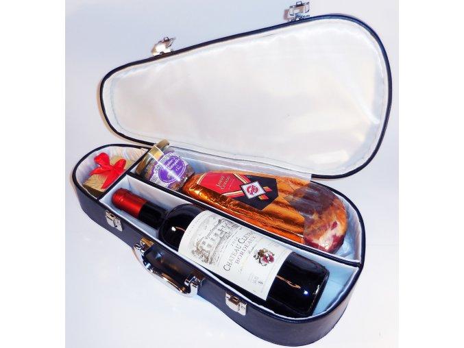 Inkognito . Bordeaux s kýtou a paté