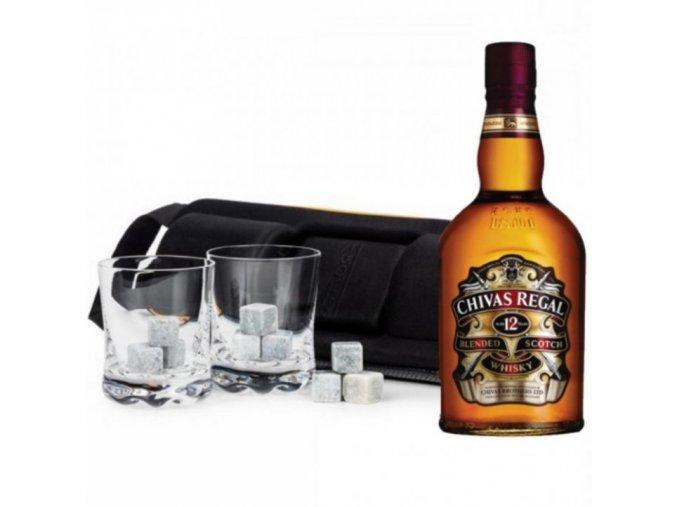 Kompletní radost na cesty . Whisky Chivas Regal 12Y