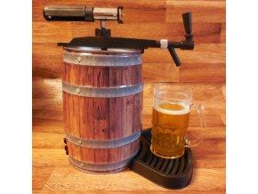 pivni soudek s pipou pro pivare