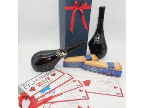 Valentýnský dárek DECATA® s LOVE poukázkami . víno, karafa a dekanter, sýry a poukázky